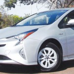Novo Prius chega por R$ 120 mil