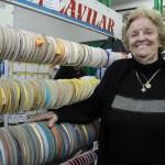 Heleninha Cury lembra com emoção de várias histórias vividas na Casa São João, ponto de referência no comércio mogiano / Foto: Eisner Soares