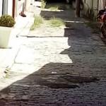 Leitor afirma que rua precisa de manutenção. (Foto: Antônio José da Silva/ WhatsApp)