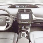 Nova geração do Toyota Prius mantém estilo de design controverso, mas o que interessa mesmo no modelo é a economia de combustível. (Foto: Isabel Almeida/ AutoPress)