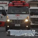 Homem morre atropelado por caminhão no Mogilar