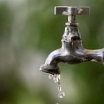 Quem possui caixa d'água em casa não deve sentir os efeitos da paralisação. . (Foto: Arquivo)
