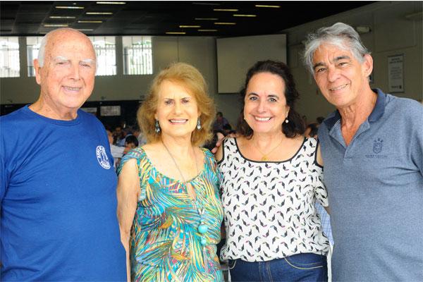 Sylvio e Neiva Pires, Maria José e Inácio Campos também presentes pelo salão do Clube de Campo. (Foto: Elton Ishikawa)