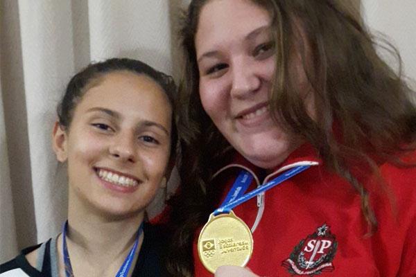 Giovana e Viviane conquistaram ouro nos Jogos da Juventude. (Foto: Associação Namie)