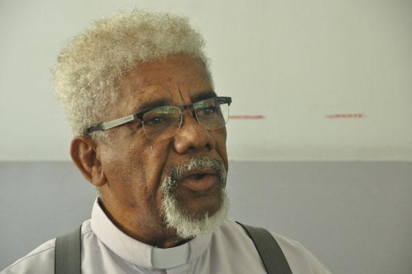 Padre Dioclécio comemora 30 anos de atuação. (Foto: Edson Martins)